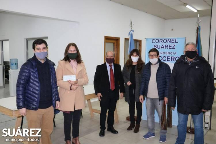 El Intendente Ricardo Moccero entregó 29 becas universitarias