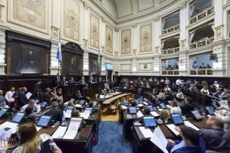 Vidal envía a la Legislatura un proyecto que limita el gasto público al índice de inflación
