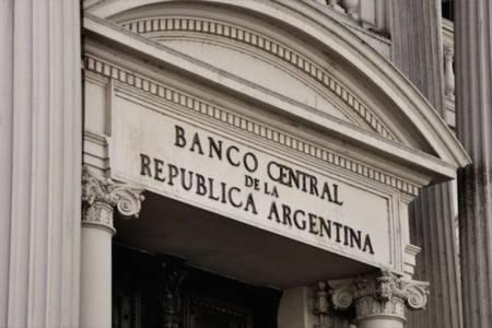 Suspenden cierre de cuentas bancarias