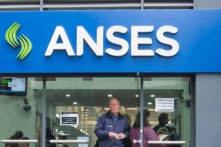 ANSES estableció un cronograma de pre- inscripción para cobrar el ingreso familiar de emergencia