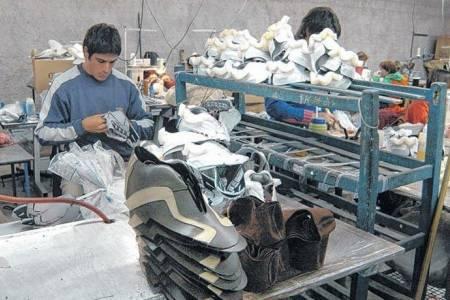 Con una dotación de 400 trabajadores, reabre hoy la fábrica de calzado Dass