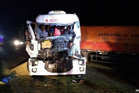 Fuerte choque entre tres camiones cerca de Pigüé