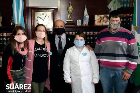 Emotivo acto por el Día de la Bandera: Kicillof junto al intendente Moccero conmemoró el Día de la Bandera junto a niños y niñas de los 135 municipios