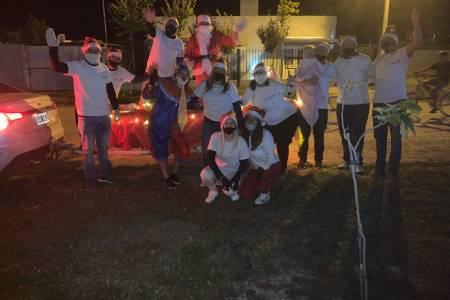 Papá Noel estuvo en San José y recorrió los barrios Aldea, Procrear y Plan Federal l