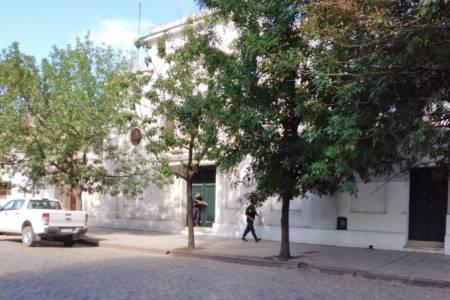 Coronel Suárez: tuvieron que desalojar un colegio por una amenaza de bomba