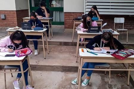 Insisten con la ampliación de las horas de presencialidad en escuelas bonaerenses