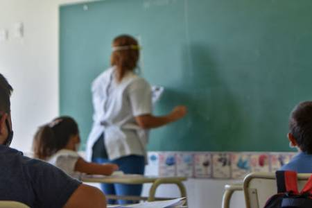 Provincia dice que el 80% ya puede ir a las aulas