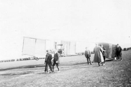 Micro Histórico - Un acontecimiento olvidado: ¿Quién fue el primer aviador en Coronel Suárez?