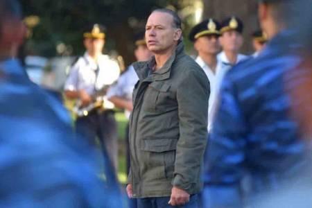 Berni denunció que sectores de la policía bonaerense amenazan con un paro