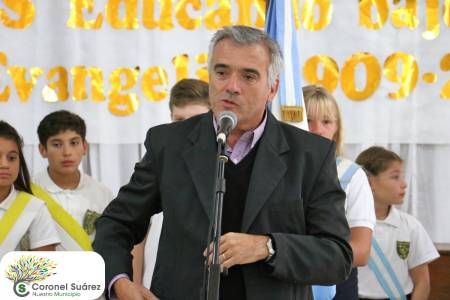 Fabián Palma valorizó el aporte de la Escuela Parroquial a la educación
