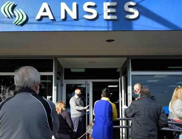 Jubilados cobrarán un bono para equiparar la inflación trimestral