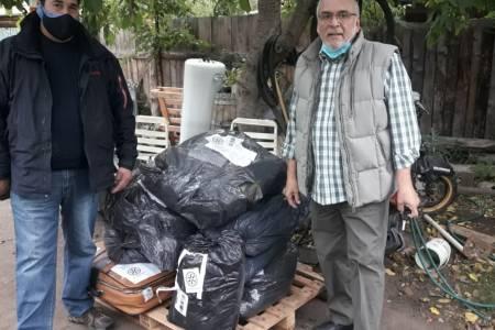 Ya llegaron a destino las MANTAS QUE ABRAZAN, junto con las dos valijas conteniendo bufandas, medias, guantes y gorros de lana